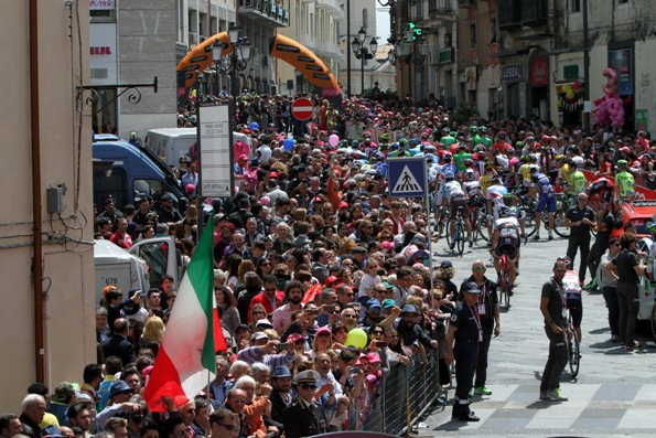 GIRO D'ITALIA: PARTENZA QUARTA TAPPA