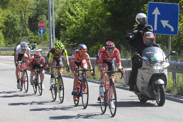 Wellens, Bisolti, Zhupa, Ligthart e Didier, fuga a 5 (foto Twitter)