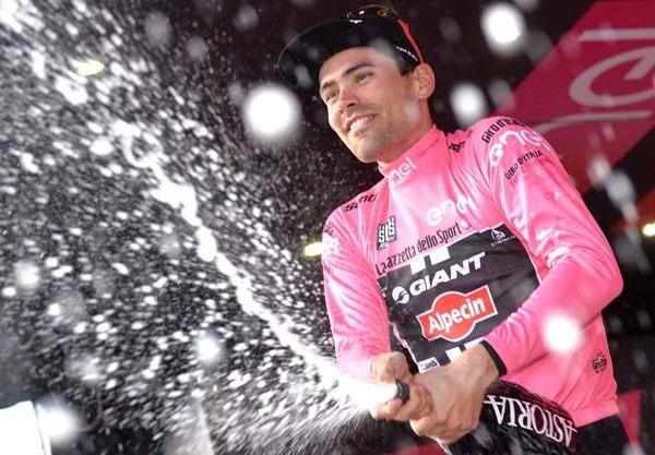 Giro D'Italia 2016: sixth stage-Dumoulin brinda in maglia rosa (@ansa)