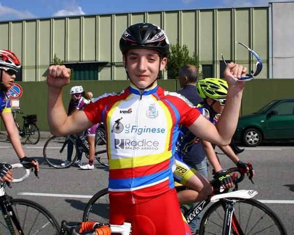 Alessandro Ceci felice dopo l'arrivo (Foto Berry)