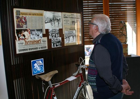 Uno dei primi visitatori della Mostra (Foto Berry)