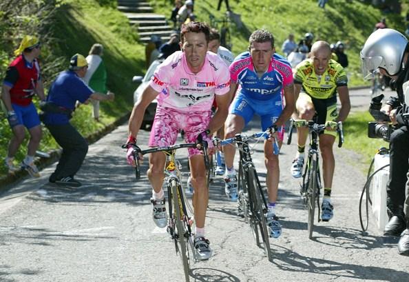 Gilberto Simoni in maglia rosa Giro d'Italia Professionisti