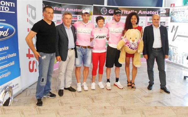 Premiazioni Giro D'Italia Amatori 2015 con Di Rocco e Zappacenere