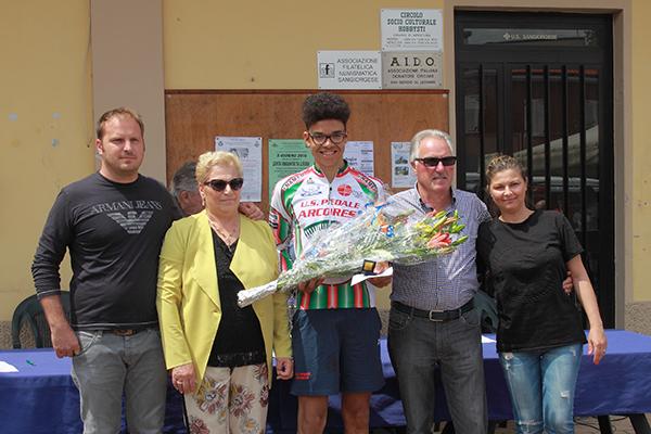 Premiazione di Samuel Nova vincitore gara (Foto Kia Castelli)