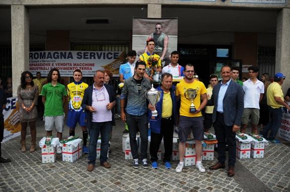 Organizzatori e primi 10 classificati (Foto Fausto Barbieri)