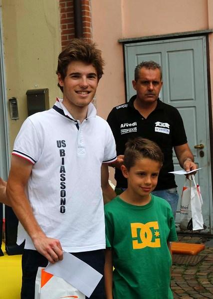 Premiazione di Tommaso Bramati qui col figlio di Bortolami (Foto Pisoni)