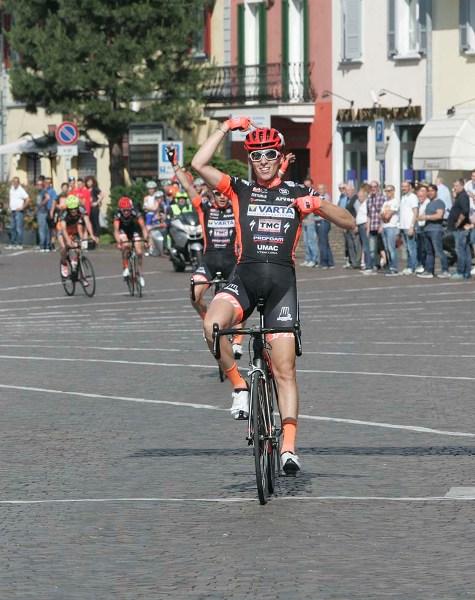 Gabriele Moreni vince a Castano Primo (Foto Pisoni)