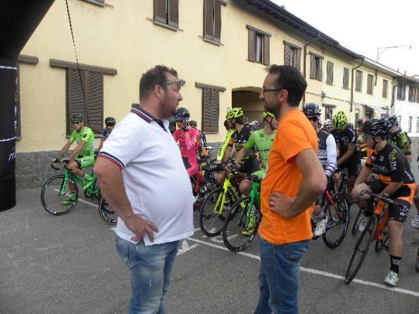 """Massimo Apollonio e Andrea Noe^, organizzatori della gara a scatto fisso """"Brontolo Bike Criterium"""" (Foto di : Nastasi)"""