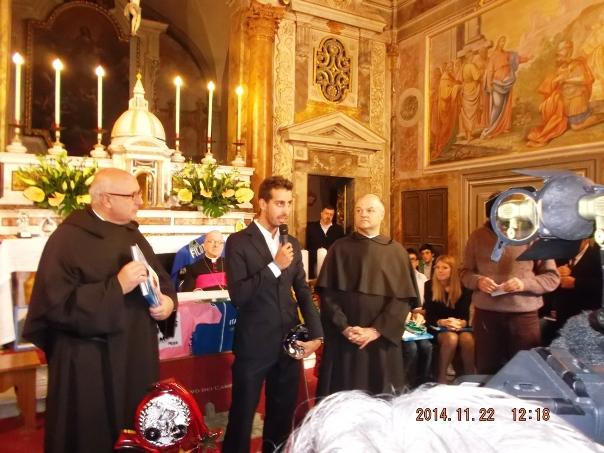 Fabio Aru con i Padri, Agostino Gelli a sx e Raffaele Duranti a destra. (Foto Nastasi)