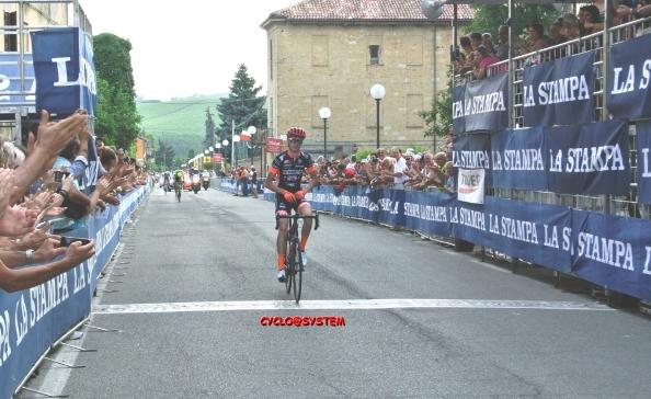 Stefano Bertoletti vince a Montemagno d'Asti (Foto Cyclosystem)