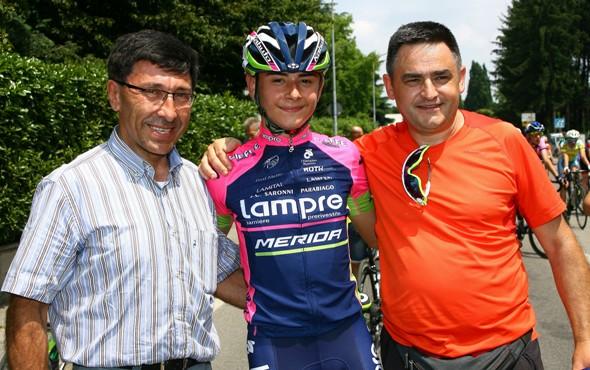 Andrea Montoli festeggiato dal suo presidente Antonio Saronni (Foto Berry)
