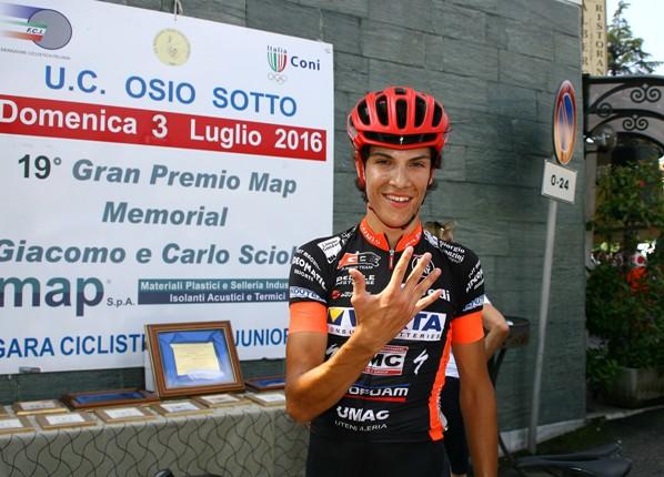 """Stefano Oldani dice : """"E sono 5 su strada"""" (Foto di Berry)"""