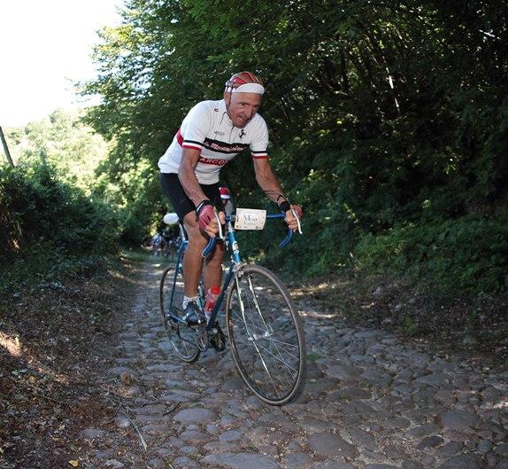 Francesco Moser sul pave^ della Moserissima (Newspower)