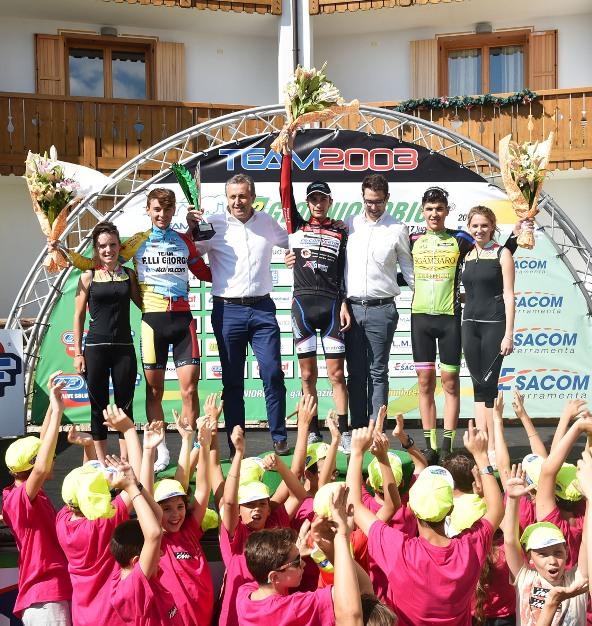 Da sx, Covi, Monaco e podio 3^ tappa (Rodella)