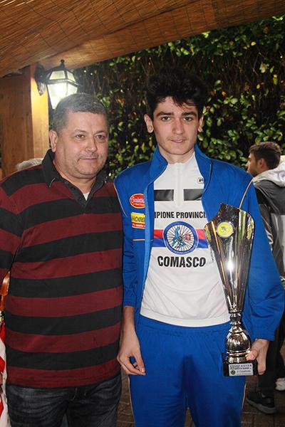 CLAUDIO ALDEGHERI COL FIGLIO DAVIDE NEO CAMPIONE PROVINCIALE DI COMO (Foto KIA)