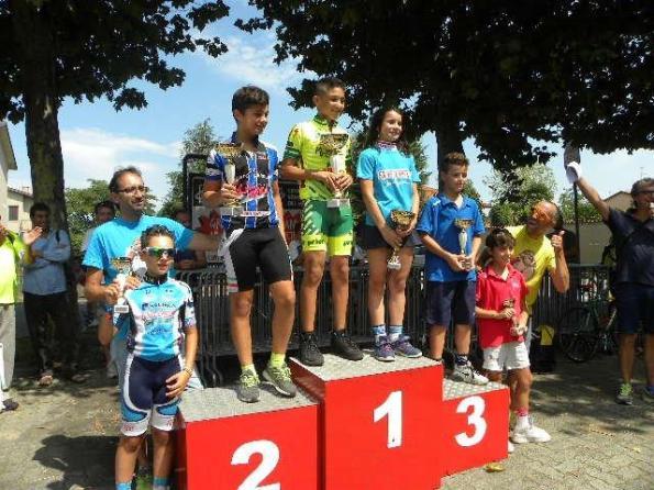 Podio G5 col vincitore Juan David Sierra e prima femmina Anita Poletti (Foto Nastasi)