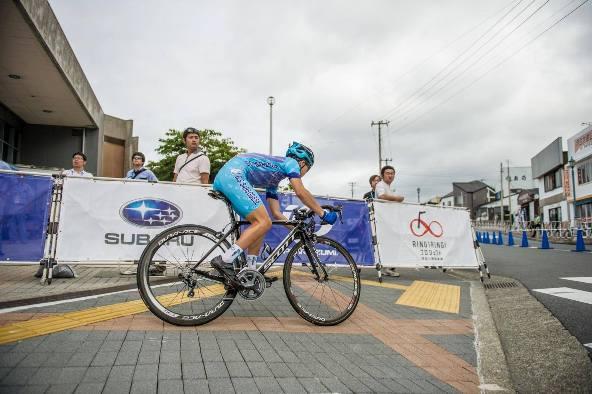 Primissime pedalate per Enzo Yokota
