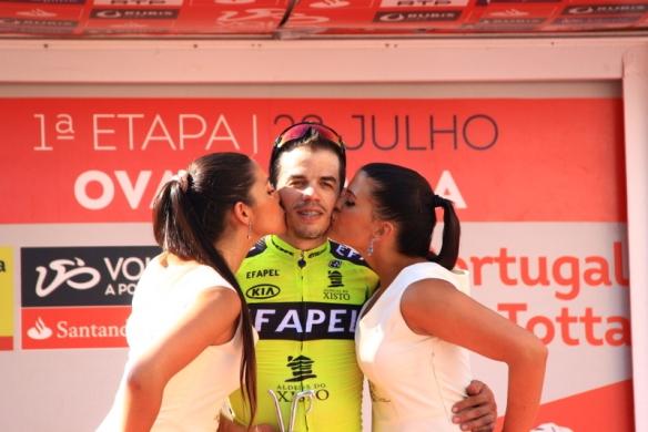 Daniel Mestre riceve bacio miss (JC Faucher)