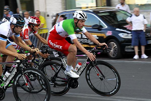 Il Tricolore Simone Consonni in una fase di gara (Foto Kia)