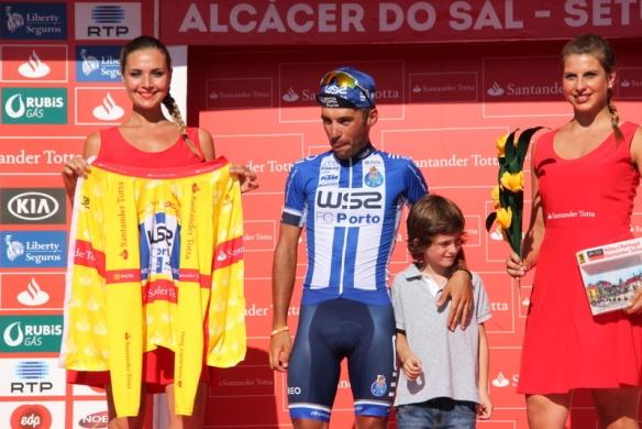 Rui Vinhas sempre in maglia gialla (Foto Jean Claude Faucher)