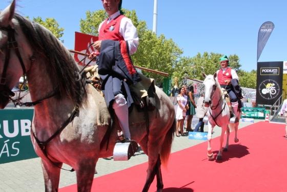 Folklore a cavallo (Foto Jean Claude Faucher)