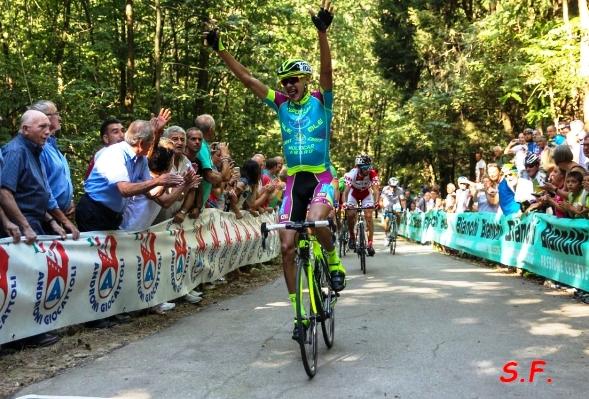 Alòeksandr Riabushenko vince a Briga Novarese (Foto S.F. da Gio.More)