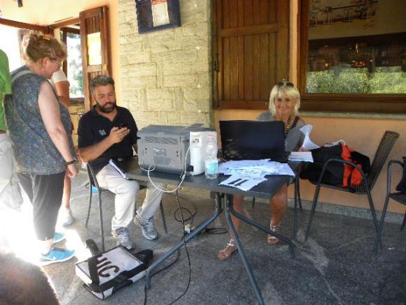 Miriam Martinoli prepara le varie classifiche della gara Giovanissimi di Orino  1^ Trofeo Enrico (Foto Nastasi)
