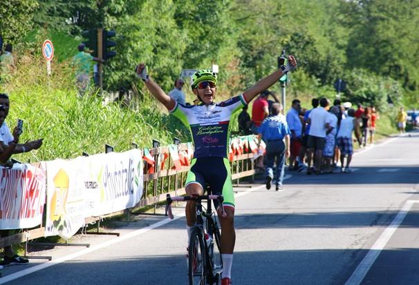 Il ligure Tiziano Guglielmi vince a Corbetta (Foto Berry)
