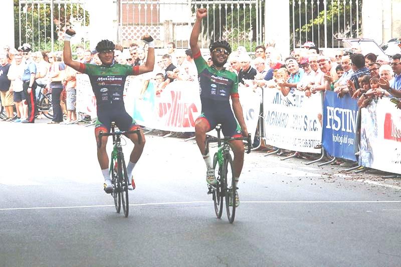 1^ Mosca, 2^ Damiano Cima - Arrivo Castelnuovo Scrivia (Foto Pisoni)