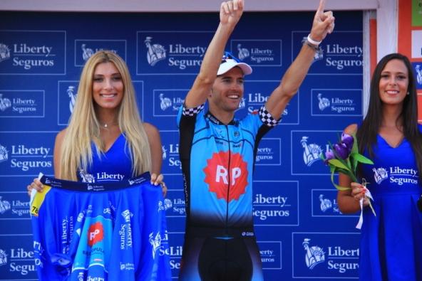 Premiazione maglia blu Liberti (JC Faucher)