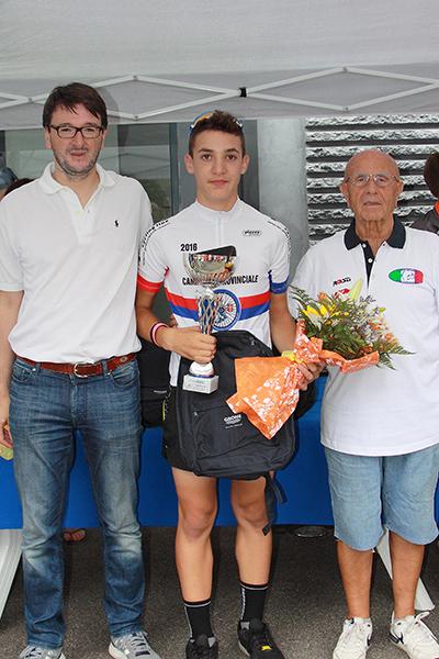 Premiazione del vincitore Alessandro Ceci (Foto Kia)