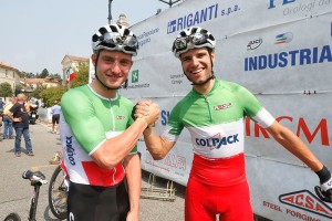 ...Due lampi Tricoloi...a Carnago da sx Simone Consonni e Davide Orrico (Foto Pisoni)