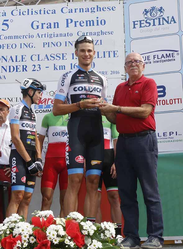 Premiazione Filippo Ganna (Foto Pisoni)