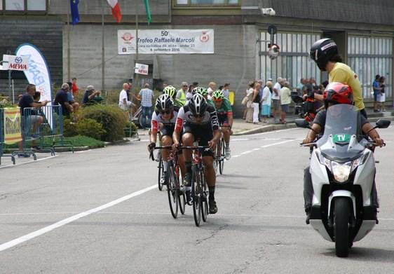 Il nervianese Luca Ferrario (a sx), in azione (Foto Berry)