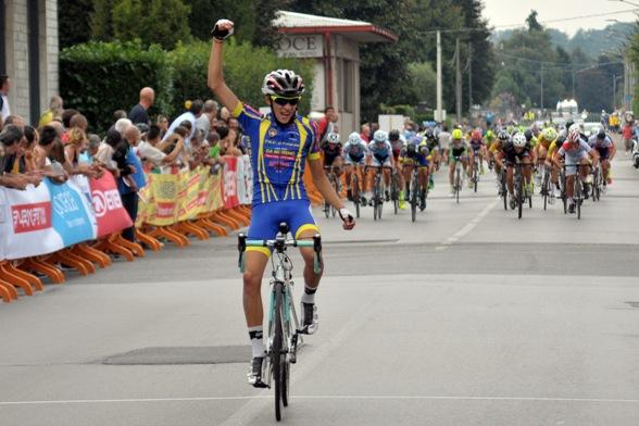 Simone Debenedetti vince a Cabiate (Mambretti)