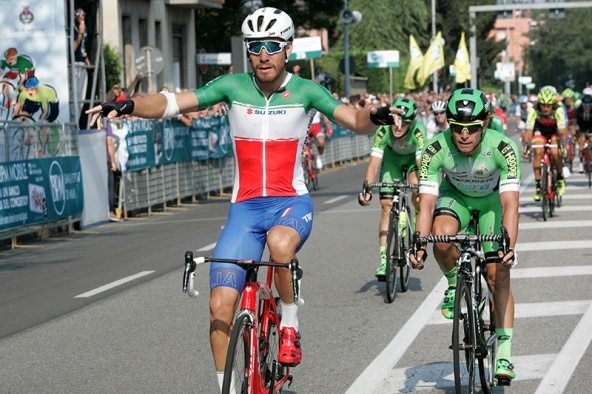 Giacomo Nizzolo vince a Legnano (Foto Pisoni)