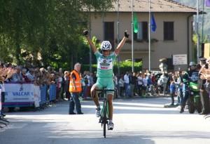 Alessia Vigilia vince al Ghisallo (Foto Berry)