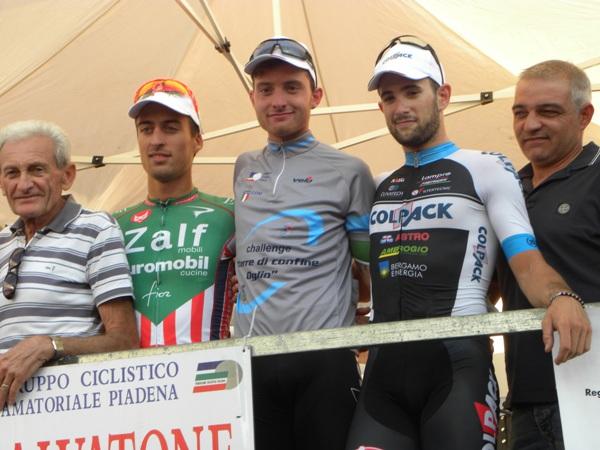 A sinistra, Giampietro Ruggeri col Podio e il Sindaco Piccinelli (Nastasi)