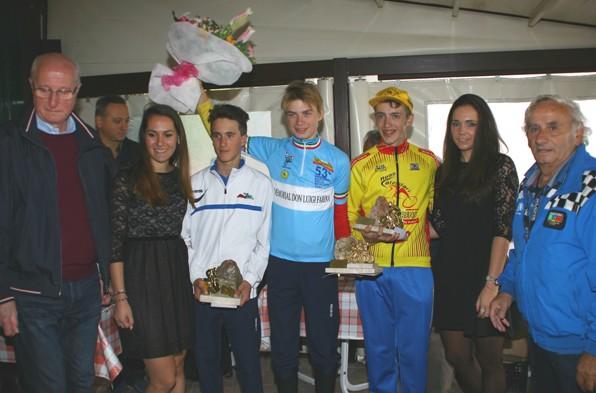 da sx Martinelli, Vacek e Leonardo Giani alla premiazione dei primi 3 classificati (Foto Berry)