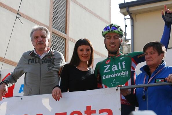 Michael Bresciani con Pezzotta, Maura Macchi e la Miss (Foto Pisoni)