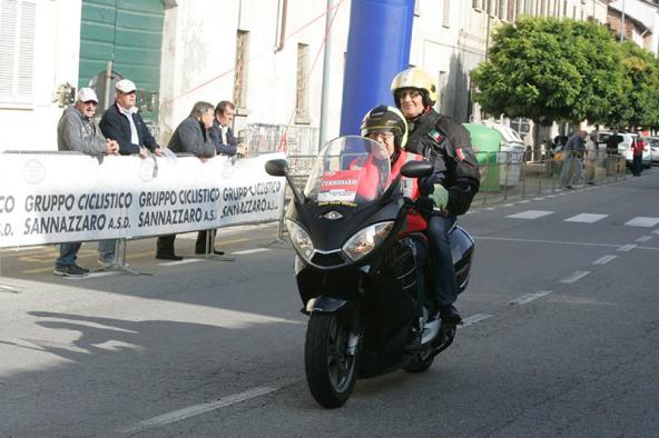 Beneggi Giudice FCI in moto (Foto Pisoni)