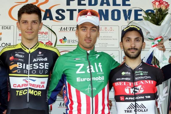 da sx, Moro, Bresciani e Gasparrini, podio 10^ Gran Premio Acquanegra ( Photobicicailotto)