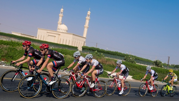 "Peloton on the way of the 150 km ""Strata"" Third stage of Abu Dhabi cycling race from AlAlain to Jebel Hafeet, UAE, 22 October 2016. ANSA/CLAUDIO PERI"