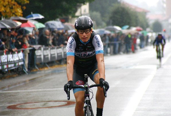 L'arrivo di Fausto Masnada, 2° classificato (Foto Berry)