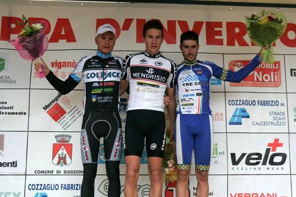 da sinistra, Masnada, Reutimann e Umberto Marengo, podio 95° Coppa d'Inverno (Foto Pisoni)