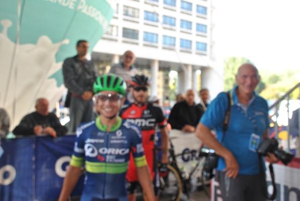 Chaves con Roberto Bettini al raduno di partenza. Poi vincerà il 99°Giro dell'Emilia (Foto Roberto Miserocchi)