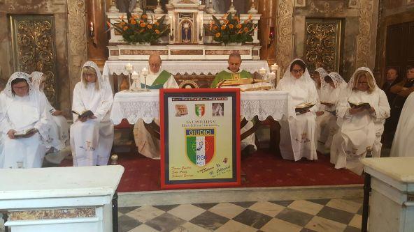 Padre Nicola celebra la Santa Messa