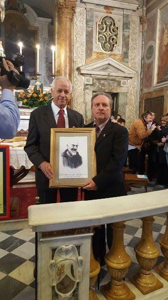 Mauro Billi riceve il Premio Padre Pio alla Castellina