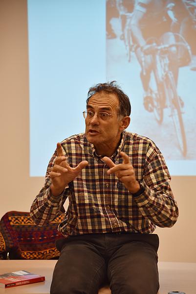 Marco Pastonesi  delucidazioni sul suo libro I Diavoli di Bartali (Foto di Kia Castelli)