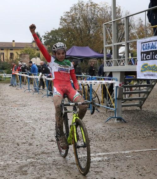 Tommaso Bettuzzi vince gara Allievi 2^ anno ad Ospitaletto Mantovano (Foto Soncini)